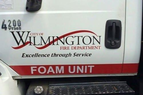 truck-lettering-on-door